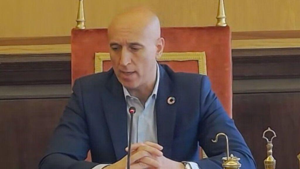 """El Ayuntamiento de León reclamará a la RAE """"no reconocer"""" el término 'castellanoleonés'"""