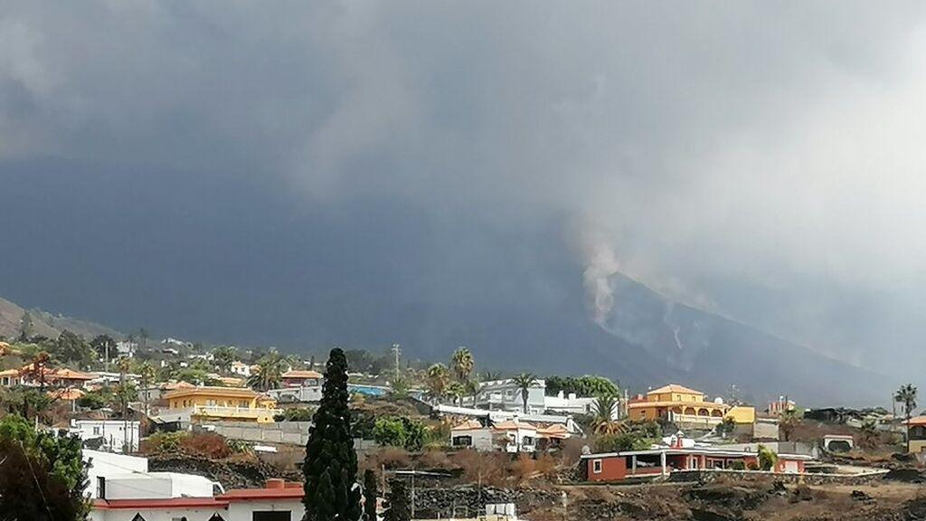 El volcán de La Palma aumenta su explosividad: las expertos detectan una nueva boca