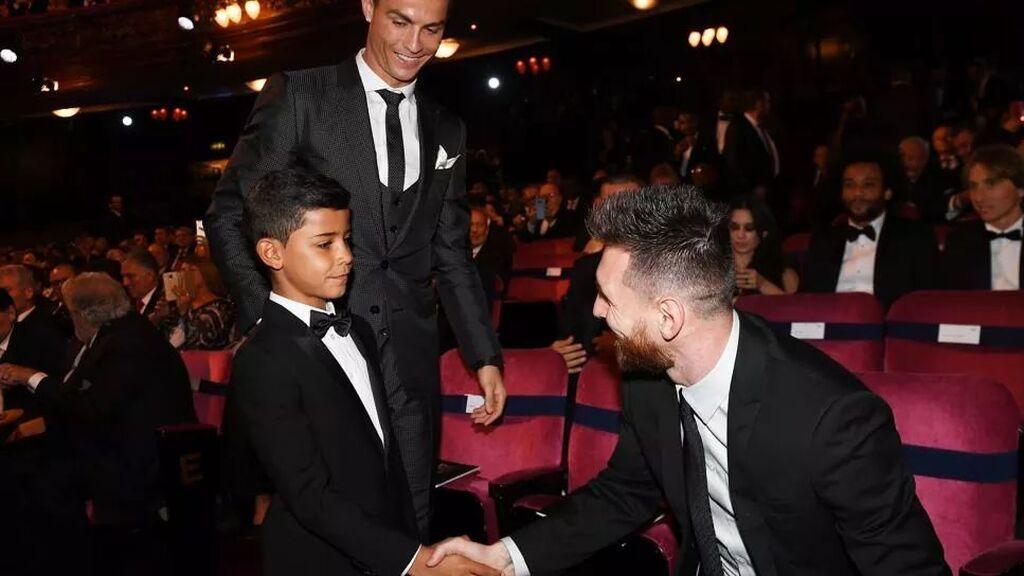 """El hijo de Cristiano Ronaldo, cuando conoció a Messi: """"Ese no es, es muy bajito"""""""