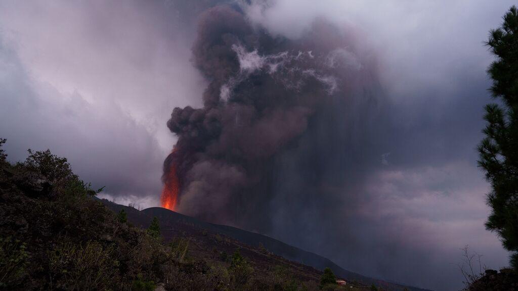 Abierto un nuevo foco de emisión del volcán de La Palma
