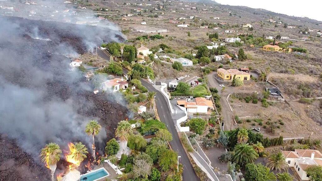 Permiten el acceso para que los vecinos de Todoque (La Palma) puedan recoger pertenencias
