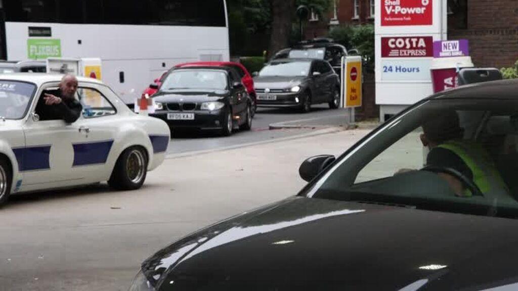 El miedo al desabastecimiento desata el pánico entre los conductores británicos