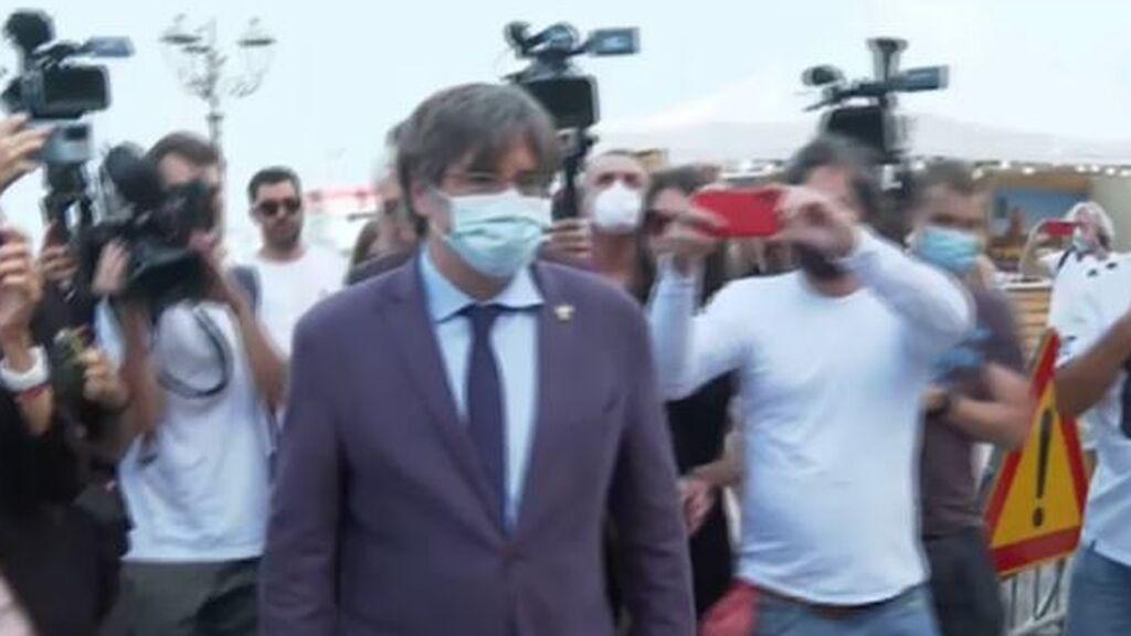 Puigdemont presume de libertad mientras la oposición le pide a Sánchez no ser caballo de Troya