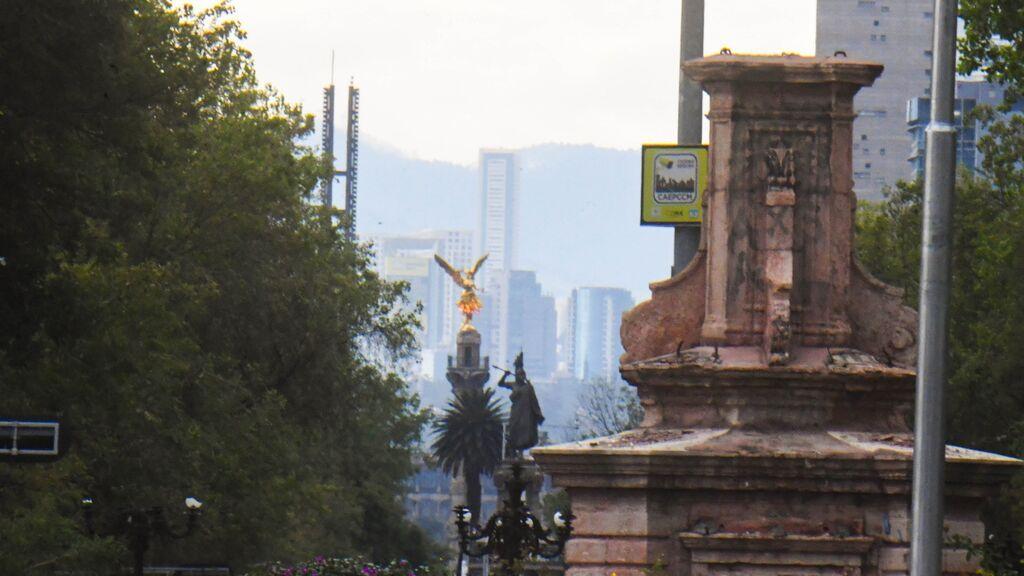 Feministas rebautizan la glorieta de Colón de Ciudad de México como glorieta de Las Mujeres que Luchan