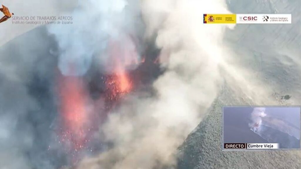 El volcán de La Palma a vista de dron como nunca antes se había visto: las bocas eruptivas y los ríos de lava