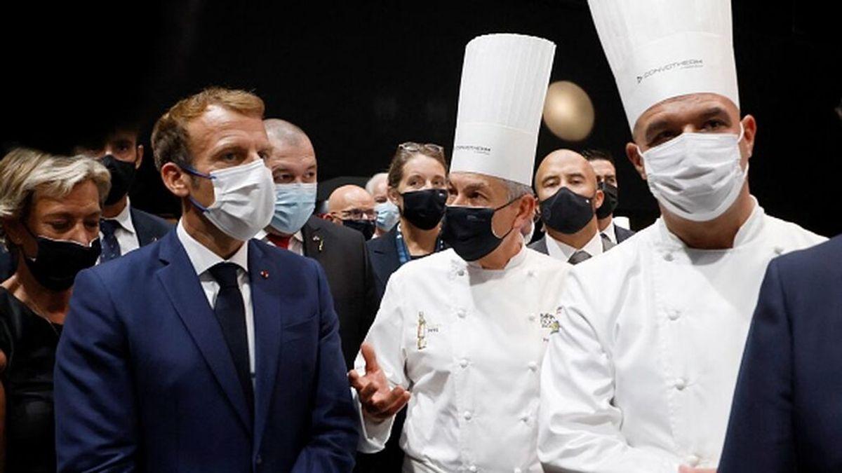 """Lanzan un huevo contra Macron en Lyon: """"Si tiene algo que decirme, que venga"""""""