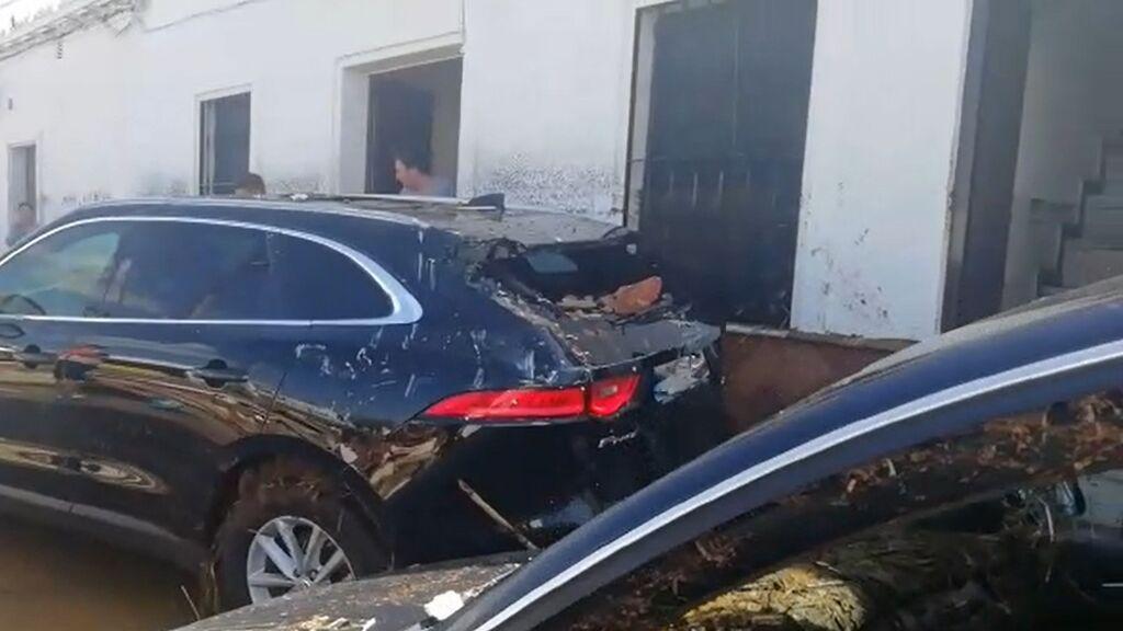 1.500 vehículos afectados por la inundación en Lepe esperan para ser arreglados