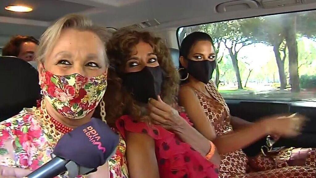 Rosario y su hija, Lola, camino a la boda de Elena Furiase