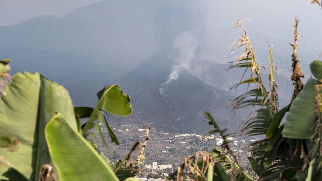 Suspenden las clases en Santa Cruz de La Palma este lunes por la ceniza del volcán