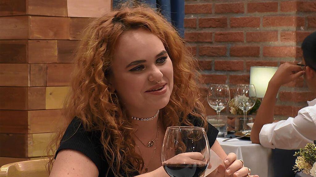 """Carlota: """"Fui emo tacona, pero ahora soy un poco gótica culona"""""""