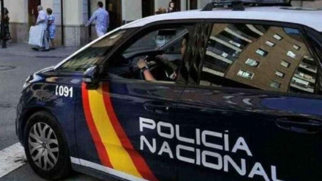 Detenida una mujer en Sevilla por arrancar y comerse dos dedos de otra mujer e intentar sacarle las tripas