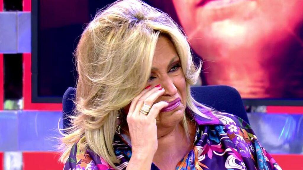 """Lydia Lozano estalla en lágrimas ante la advertencia de Laura Fa: """"¿Yo qué hago aquí? ¿Os echo cianuro? ¿Os robo las carteras?"""""""