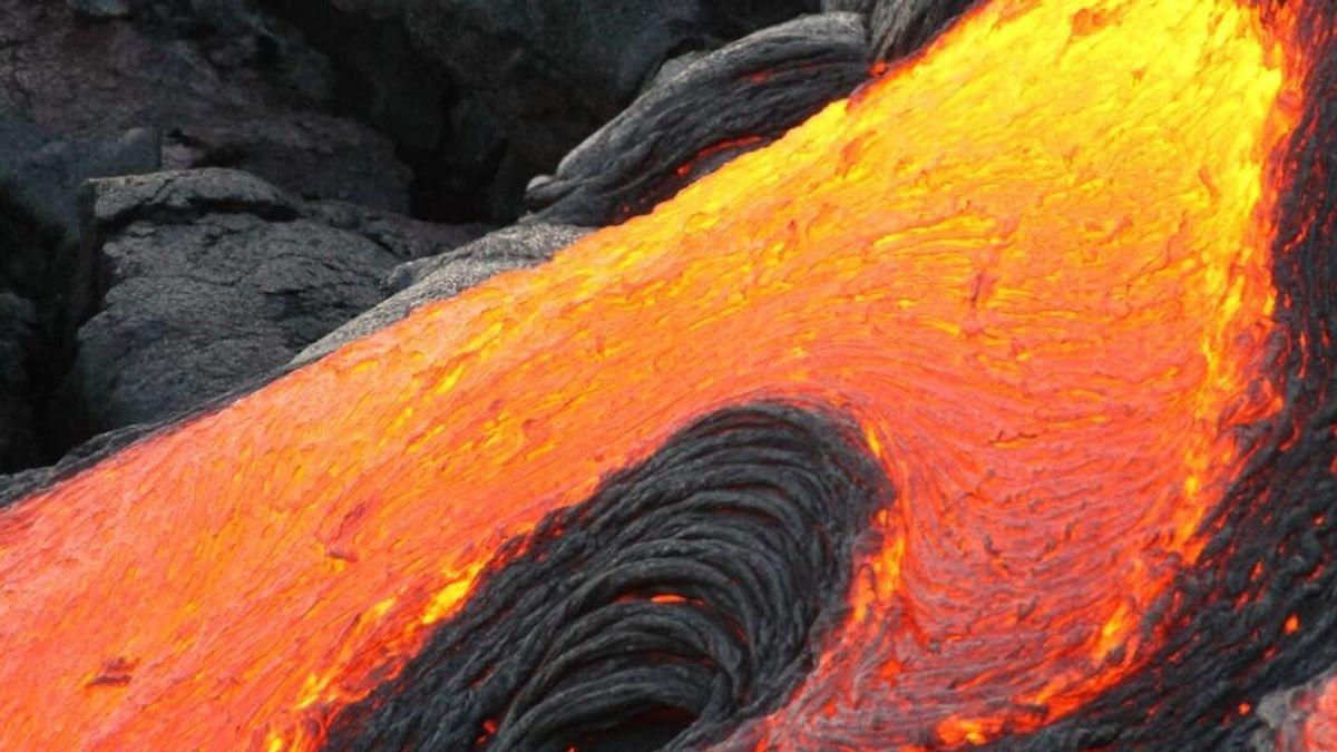 Los riesgos del volcán de la Palma ahora: pueden llover cristales al llegar al mar o abrirse otra boca