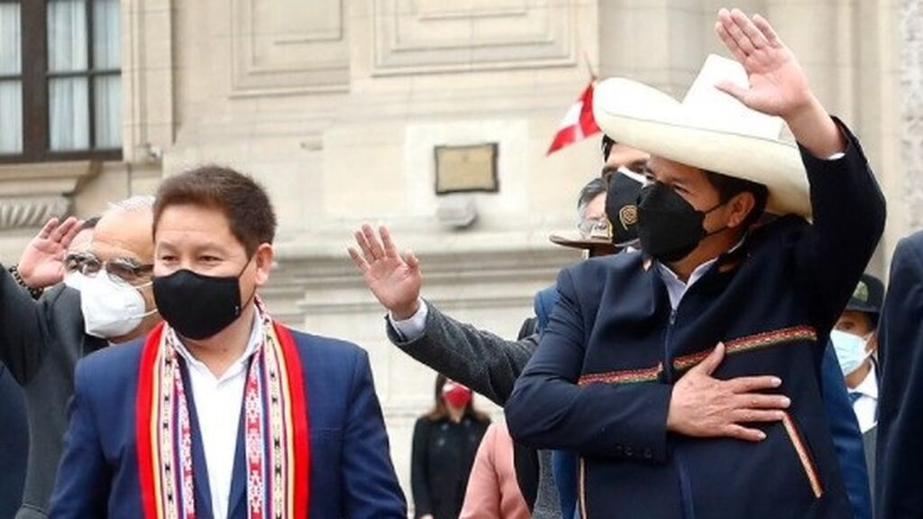 El primer ministro de Perú amenaza con nacionalizar el yacimiento de gas de Camisea