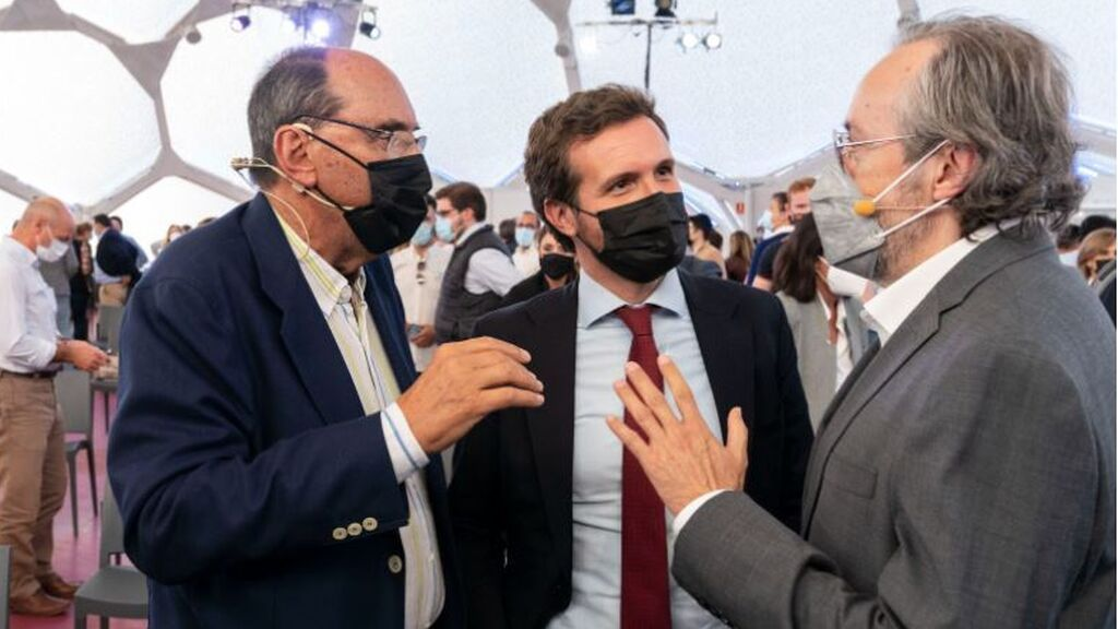 Vidal-Quadras arremete contra las autonomías en la Convención del PP