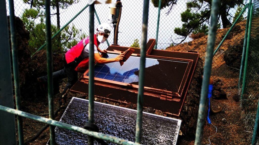 Las redes aplauden el gesto generoso de una farmacia de La Palma con los vulcanólogos