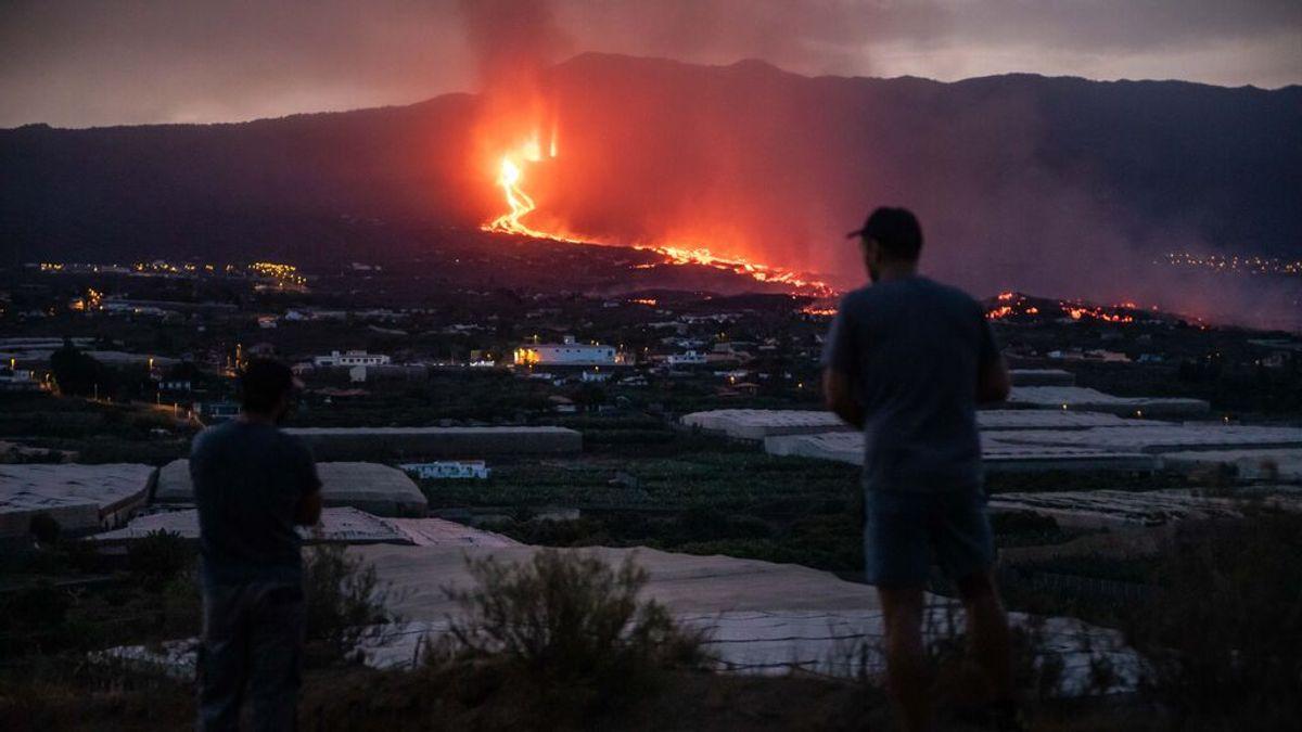 La lava amenaza Tazacorte: la nueva colada es más fluida y avanza más rápido