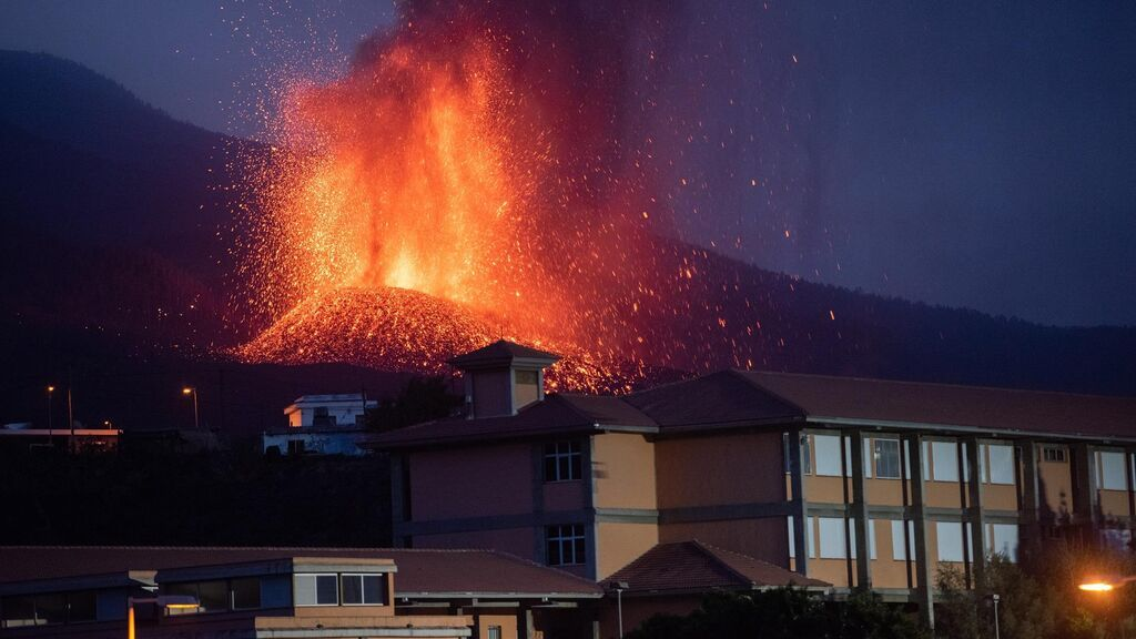 El Gobierno aprueba un paquete de ayudas directas a los afectados por el volcán de La Palma