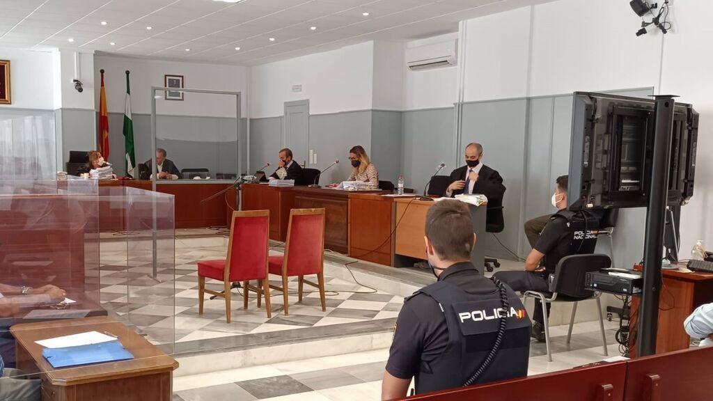 El hombre que mató a su pareja y se deshizo del cuerpo en la basura en Almería reconoce los hechos en sala