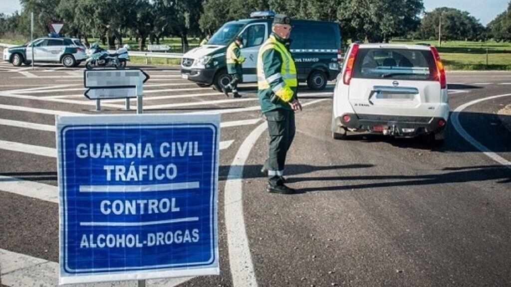 Nuevo récord para un conductor: 13 puntos menos y 1.900 euros de multa en menos de 10 minutos