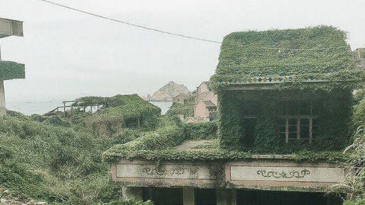 El pueblo olvidado de China, completamente verde tras ser tragado por la naturaleza