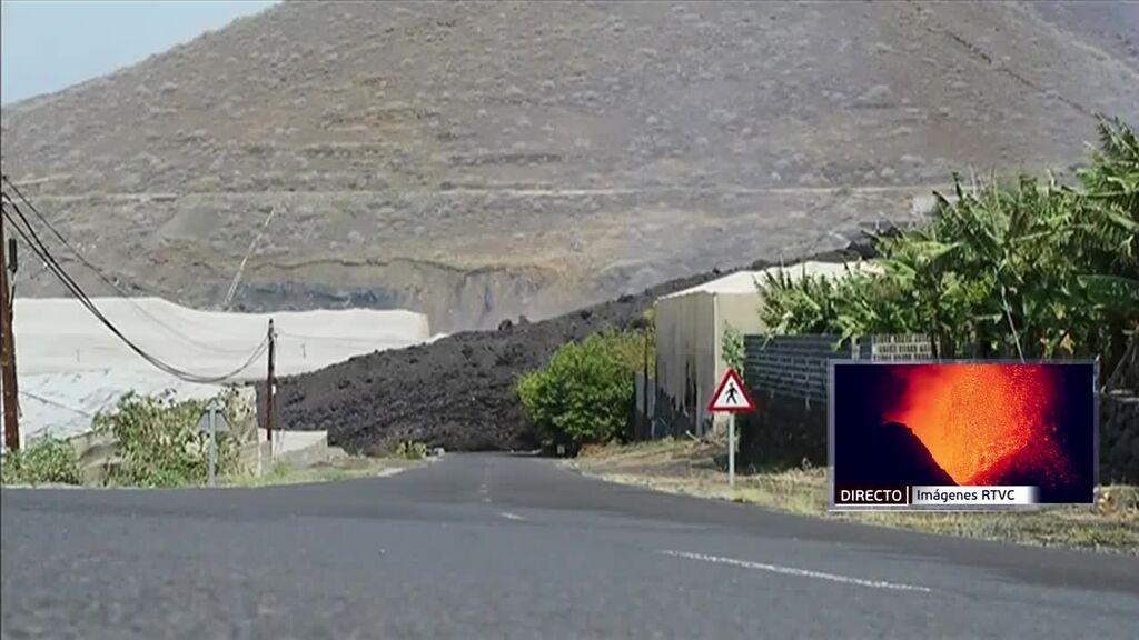 La lava podría desbordarse y quemas más casas en La Palma