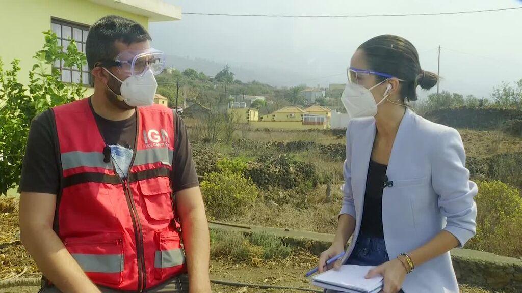 """Itahiza Domingo, sismólogo del Instituto Geográfico Nacional, muestra su preocupación por un """"cambio brusco"""" de la erupción"""