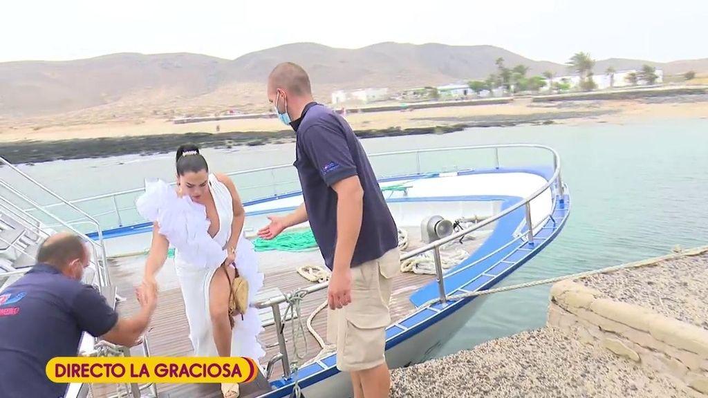 Anabel Pantoja se salta el protocolo en su boda: los invitados acuden todos de blanco