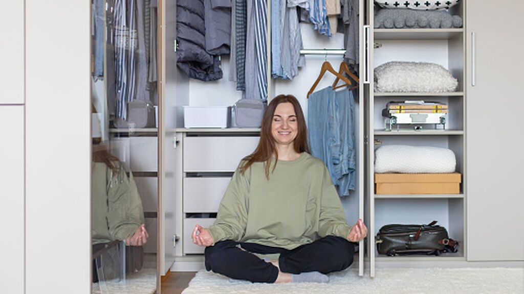 Cambio de armario: trucos para quitártelo de encima rápido sin frustrarte