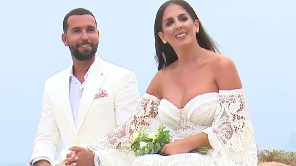 La boda televisada de Anabel Pantoja, entre lágrimas y con un aplaudido vestido de 3.000 euros