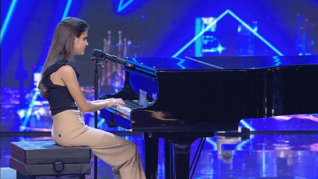 Laura, durante su actuación