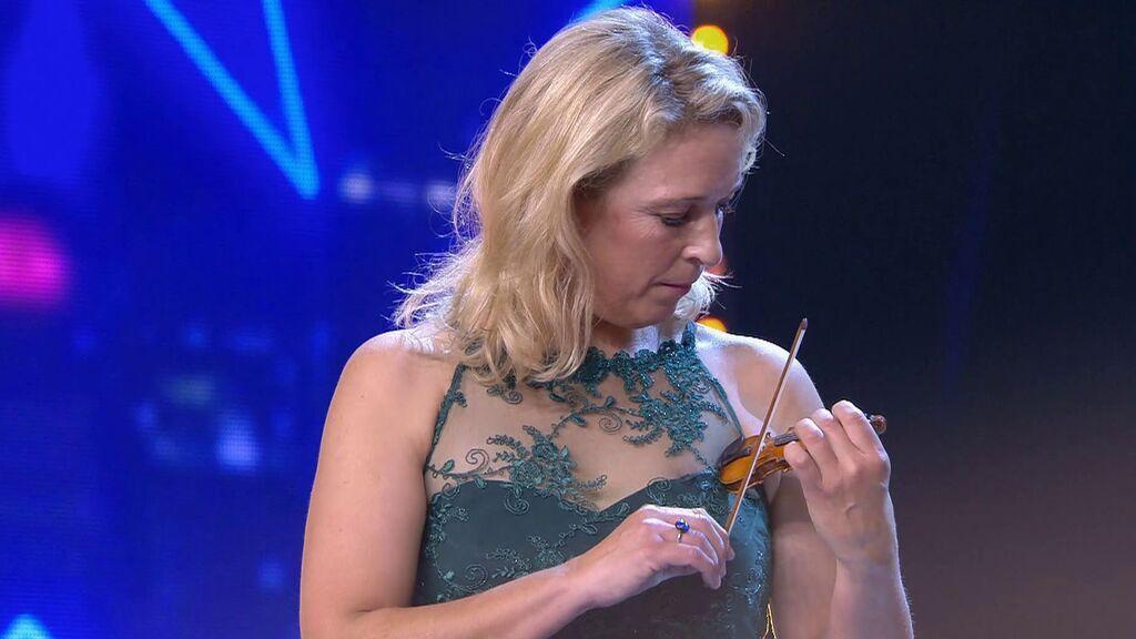 El mini violín de María desagrada al jurado