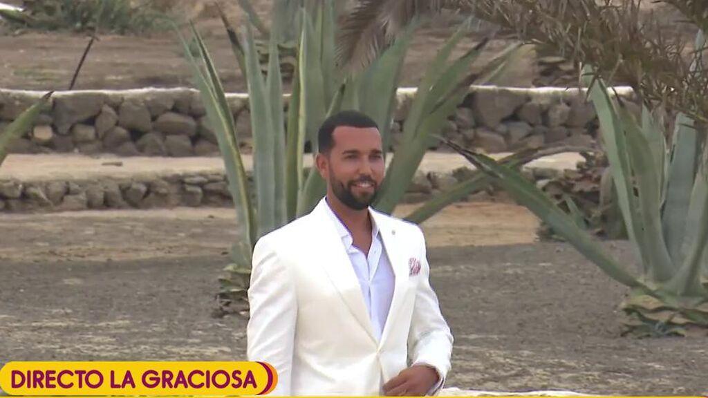 Omar Sánchez llega al altar