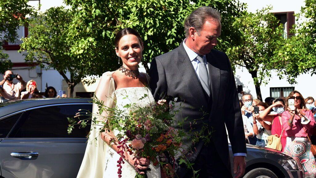 Bertín Osborne, un emocionado padrino en la boda de su hija Claudia con José Entrecanales