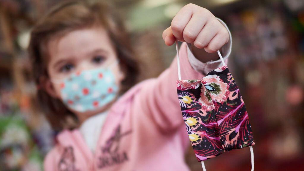 Vox pedirá eliminar uso de mascarillas en zonas exteriores de colegios y aulas bien ventiladas