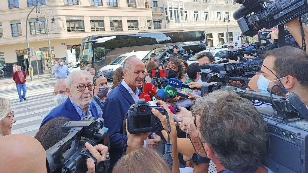 Francisco Camps llega al cierre de la Convención Nacional del PP para apoyar a Casado y Carlos Mazón