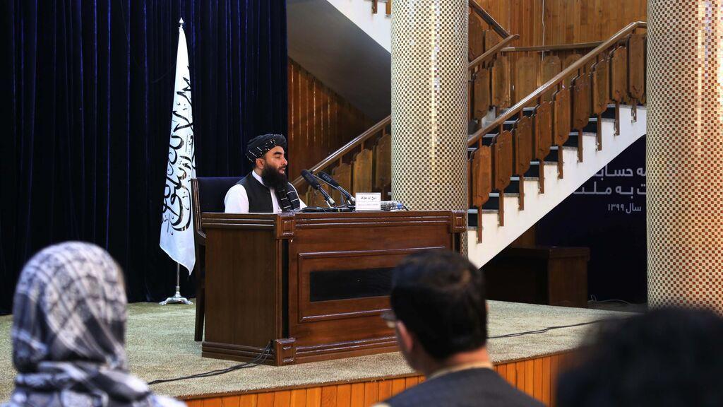 Los talibán confirman varios civiles muertos por un atentado en una mezquita de Kabul