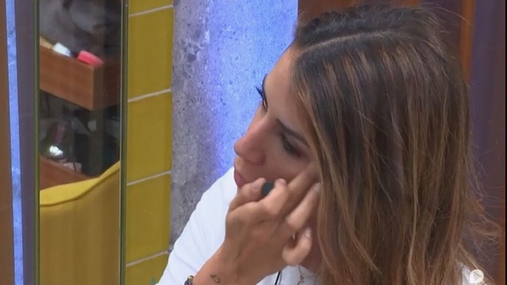 Cristina se maquilla