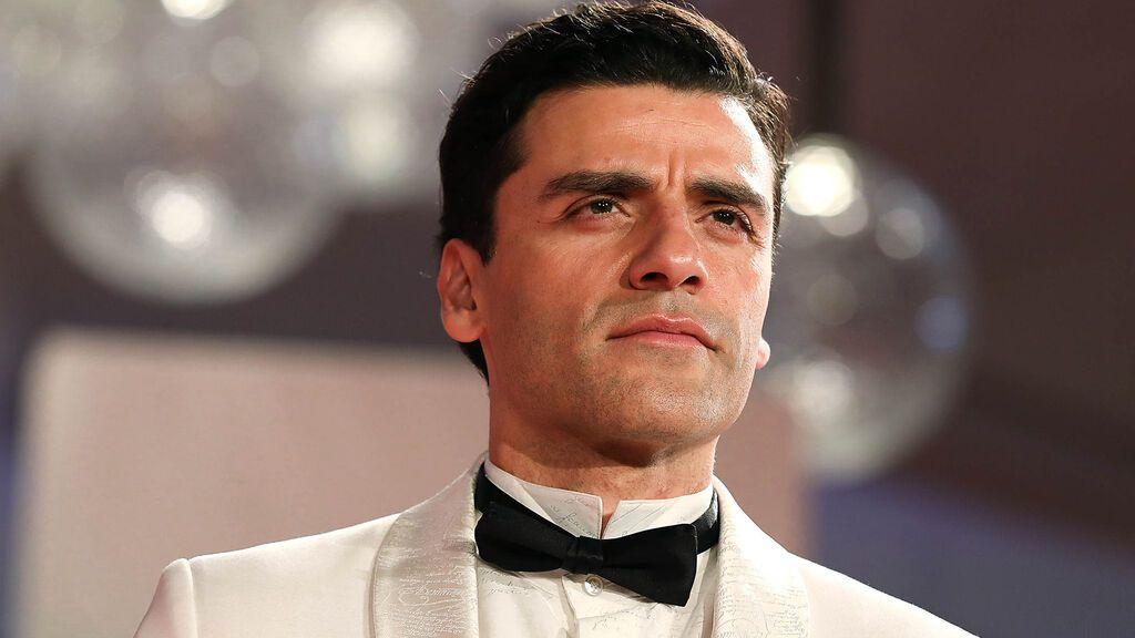 Oscar Isaac, en la alfombra roja del festival de Venecia (2021)