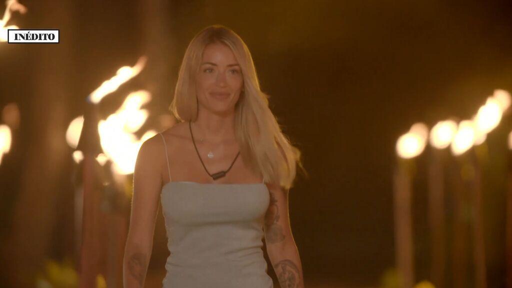 Mayka llega al Círculo de Fuego donde se encuentra con Marta