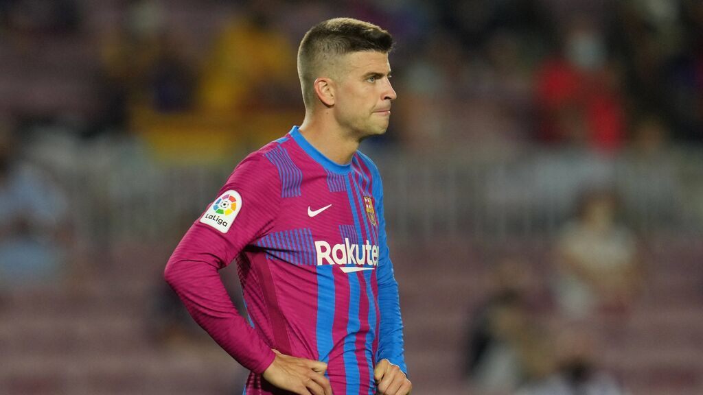 El vestuario del Barça empieza a desconfiar de Piqué: los intereses comerciales que no gustan nada