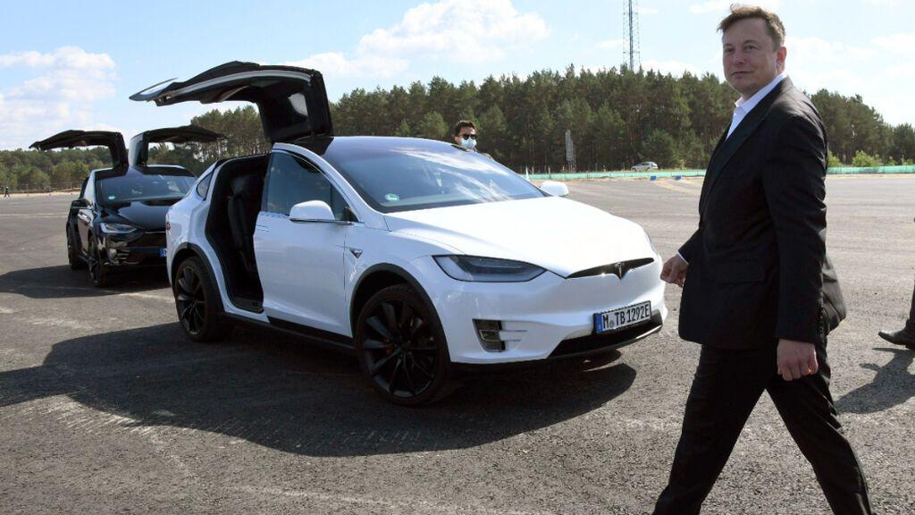 Tesla tendrá que indemnizar con 137 millones de dólares a un exempleado negro que sufrió racismo