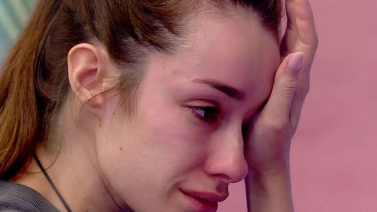 """Adara no supera su ruptura con Rodri y rompe a llorar: """"Si pudiera quitarme todo lo que siento, me lo quitaría"""""""