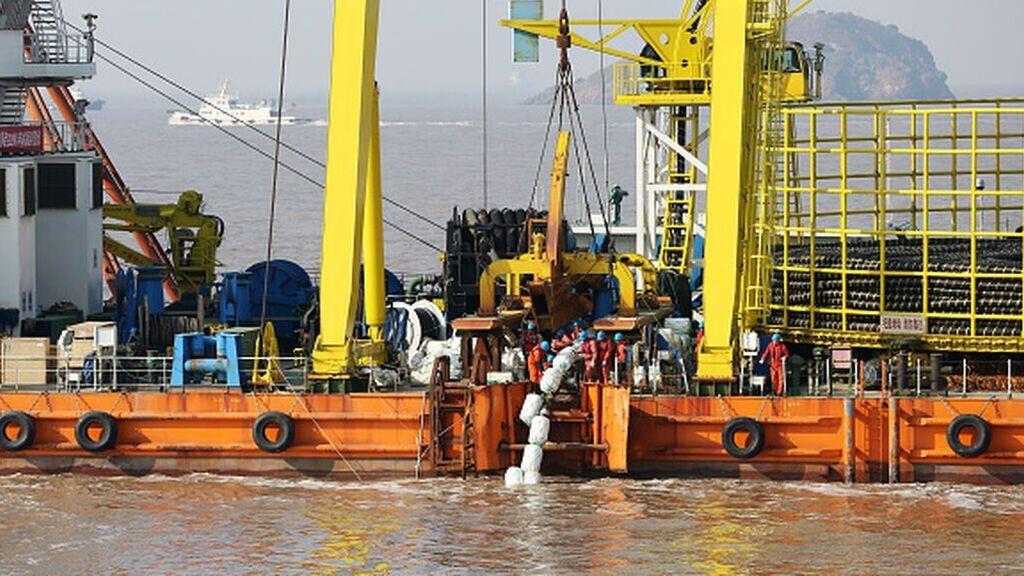 El mayor cable eléctrico submarino del mundo llevará energía verde desde Marruecos al Reino Unido