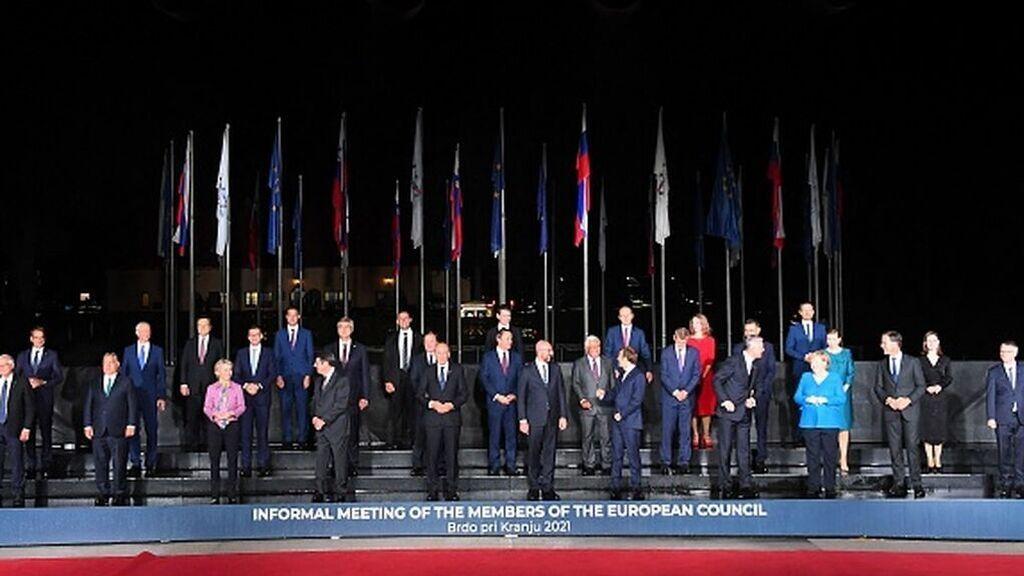 Los 27 quieren más presencia militar sin alejarse de la OTAN