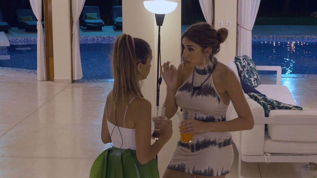 El acercamiento de Marina y Lucía en una fiesta
