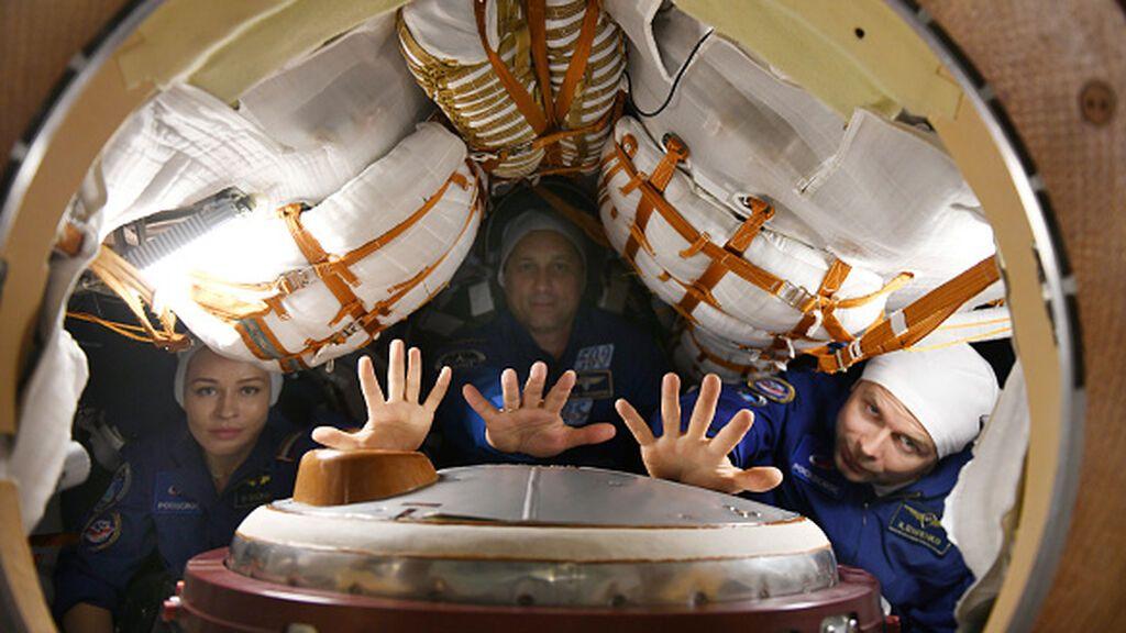 La actriz rusa que rodará la primera pelicula en el espacio ya está en la Estación Internacional