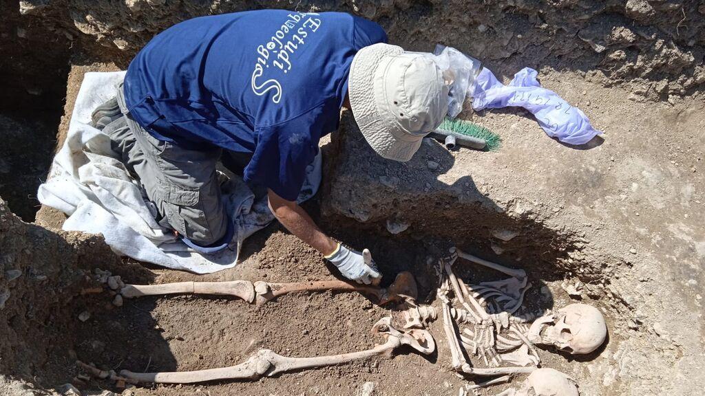 Localizan el primer cementerio cristiano de Portell en las excavaciones de Corro