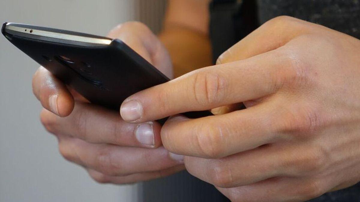¿Qué tipo de persona eres? Como sujetas tu teléfono móvil dice mucho de tu personalidad