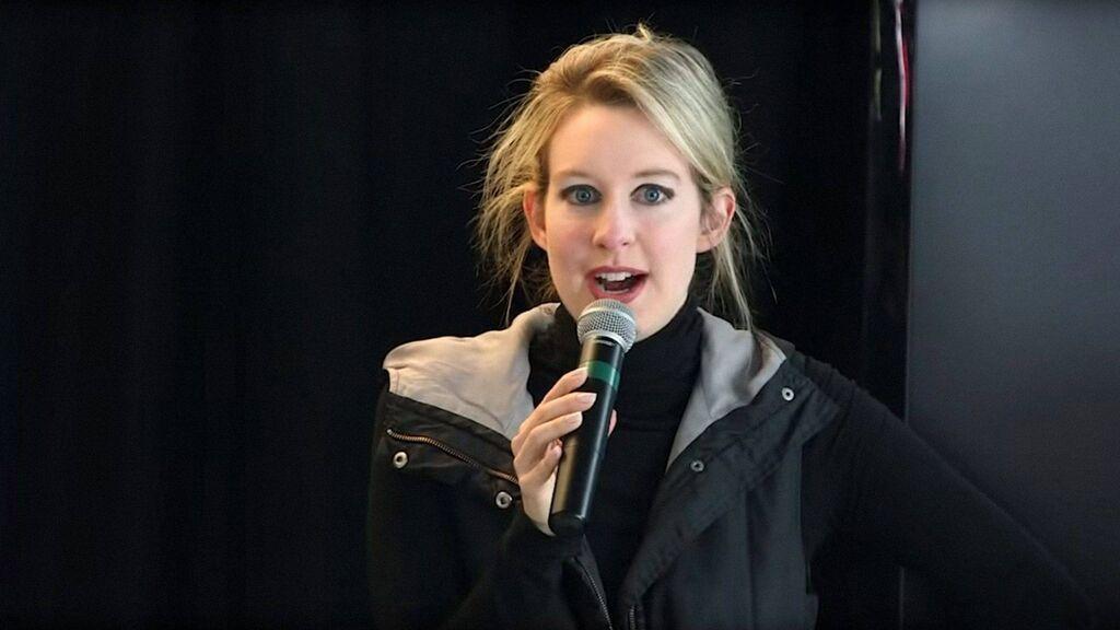 De sucesora de Steve Jobs al mayor fraude de Silicon Valley: Quién es Elizabeth Holmes